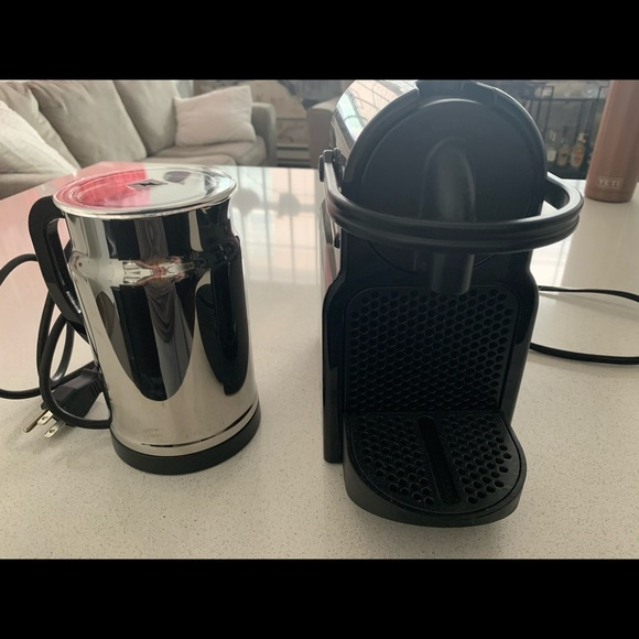 Original nespresso. Only used once.